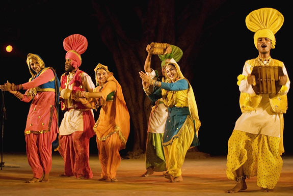 Zindwa folk dance by Punjabi men and women performing in Delhi,India