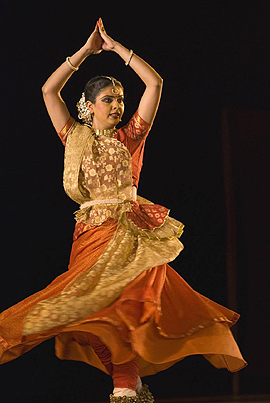 Kathak Dance by Geetanjali Lal  ,  performing at Purana Quila in New Delhi at the Annual Classical Dance Festival during October 2007   ,   India